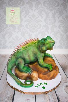 Iguana on a rock Cake - Cake by Cakes by Janice
