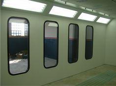 Cabine de pintura com visor lateral
