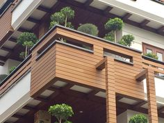 Another international project (India) looking smart with Abodo's Vulcan+ Cladding in Teak finish. Timber Cladding, Exterior Cladding, Modern House Design, Building Design, Innovation, Architecture, Outdoor Decor, Dream Houses, Facades
