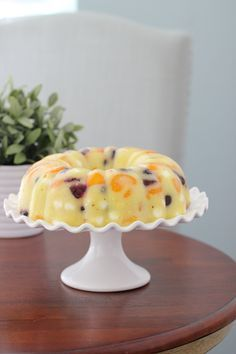 Summer is the time for cold, fruity and refreshing desserts. It's also extra nice if it's easy to make and … Gelatin Recipes, Jello Recipes, Salad Recipes, Dessert Recipes, Blender Recipes, Recipies, Jello Pudding Desserts, Jello Deserts, Flan