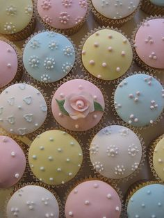 Baby Shower cupcakes by Bath Baby Cakes, via Flickr