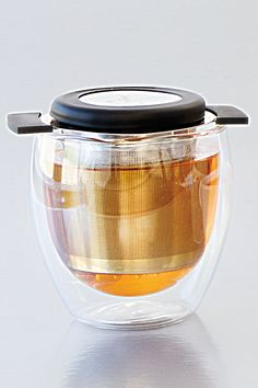 Brewing Basket: Fine stainless-steel mesh prevents tea leaves from escaping, while leaving room for the flavour to bloom. http://michellestevenson.myepicure.com/