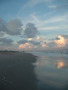 Wrightsville Beach. a summer spent there many years ago....i must go back