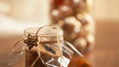 Darf in keiner Küche fehlen: Zimt-Zucker als Geschenk   http://eatsmarter.de/rezepte/zimt-zucker-als-geschenk