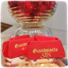 benvenuto autunno  benvenuto #cioccolato  #gianduiotti al #caffè #spes cioccolateria a #torino