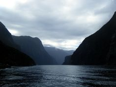 Milford Sound, New Zealand, lord of the rings made new zealand look so nice ;)