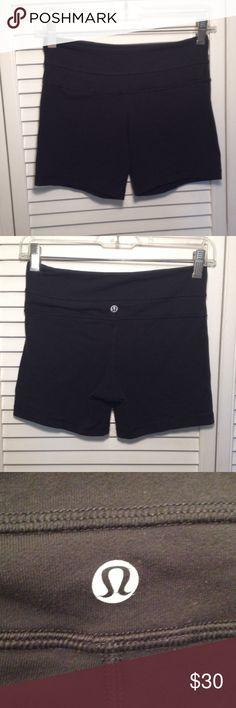 Lulu Lemon Groove Shorts Lulu Lemon • Size 4 • No pilling! Good condition! No damage! lululemon athletica Shorts