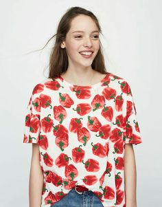 Red pepper tee from Pull&Bear ♥️ Really cute; I like it!