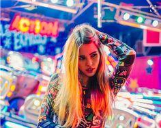 Lighting on long blonde hair