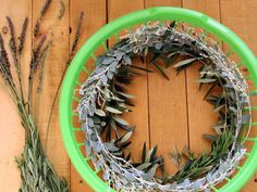 How to Make a Wreath — Easy Dollar Store Craft