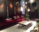 Salon con lamparas de cristal con campanas