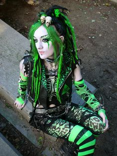 #Cyber-Goth #zombie-Punk girl Izta looks great with the eye work and skulls in her hair. May also be Voodoo-Goth