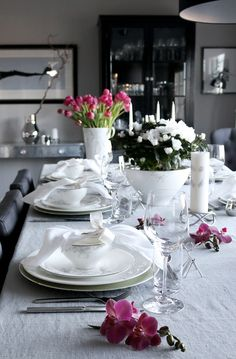 Table setting Advent. Pink, grey white. Photo: Anette Willemine Solheim http://anettewillemine.com/bordekking-advent-table-setting/ http://www.tilbords.no/