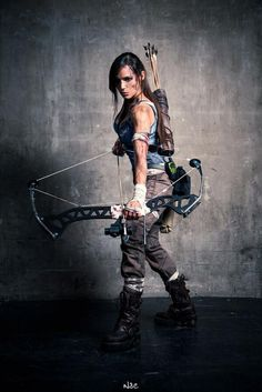 (Ooooh, I think I could do that for Halloween) Lara Croft (tomb raider 2013) Cosplay