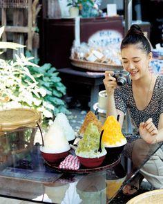 今日もかき氷 Japanese Sweets, Japanese Girl, Yu Aoi, Japan Fashion, Asian Woman, Snacks, Ethnic Recipes, Food, People