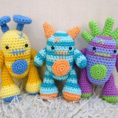 Mini Monsters amigurumi crochet pattern by Janine Holmes at Moji-Moji Design