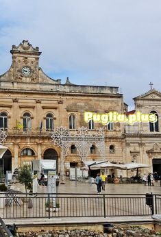 Elegante Luxushotels in Ostuni - Puglia. Piano Bar, Design Hotel, Das Hotel, Louvre, Building, Travel, Round House, Italian Restaurants, Family Activity Holidays