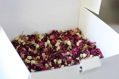Wedding Confetti Rose Petal Toss ~ 'ISLA' Organic Indian Red Rose Petal and Jasmine Bud ~ Biodegradable ~ Bloom Box ~ BULK BUY ~ 40 or 60 cones/portions Dried red Rose petal and Jasmine bud confetti. A very pretty, naturally fragrant biodegradable confetti option. Bulk box containing