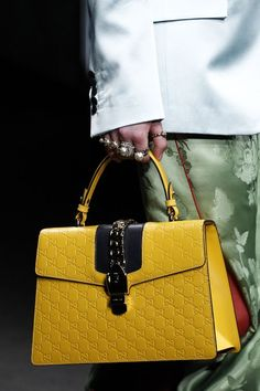 See detail photos for Gucci Fall 2016 Ready-to-Wear collection. and leather See detail photos for Gucci Fall 2016 Ready-to-Wear collection. and leather Fall Handbags, Hermes Handbags, Burberry Handbags, Fashion Handbags, Purses And Handbags, Fashion Bags, Leather Handbags, Gucci Bags, Gucci Gucci