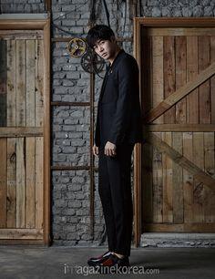 Lee Sang Yoon - Harper's Bazaar Magazine April Issue Lee Sang Yoon, Lee Sung, Korean Celebrities, Korean Actors, Celebs, Local Cinema, Gorgeous Men, Kdrama, Singing