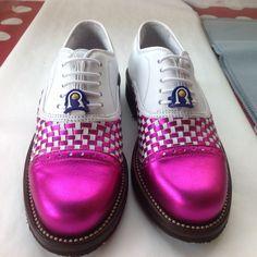 Modello Siena laminato fuxia   #Raimondi #raimondigolfshoes #golf #shoes #golfshoes #italianstyle #woman #madeinitaly #handmadeinitaly #italy #originali