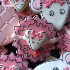 .@SweetSugarBelle {Callye Alvarado}   Angelina Ballerina sugar cookies
