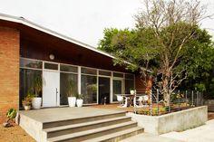 Tracie Ellis' Home - modern - exterior - melbourne - Sharyn Cairns