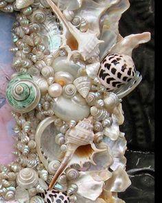 Large GLORYOFTHESEA Fine Shell Art Photo Frame by SeaShellFinery