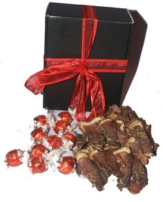 Biltong and Lindt Box Swiss Chocolate, Lindt Chocolate, Biltong, How To Make Chocolate, Taste Buds, Hamper, Perfect Match, Gift Baskets, Chocolates