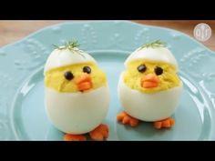Frohe OsternHasenfrau bemalt die Eier rot und blauOsterhase, Zoobe, Animation - YouTube