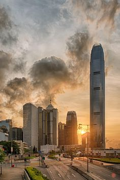 View of IFC from Admiralty at Sunset, Hong Kong Hong Kong, Beautiful Buildings, Beautiful Places, Places To Travel, Places To See, Shanghai, Victoria Harbour, Vietnam, Cool Landscapes