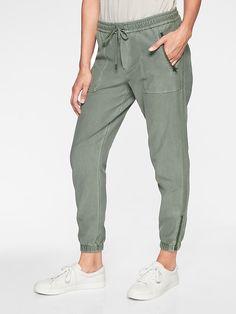 TIFENNY Cotton Linen Pants for Womens Elastic Waist Cropped Trousers Wide Leg Bottoms Sports Wear Sweatpants