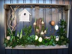 On 3 April a. from pm Doortje Bomert, general board member . Outside Decorations, Diy Easter Decorations, Flower Decorations, Plaster Crafts, Concrete Crafts, Diy Osterschmuck, Summer Centerpieces, Glass Garden Art, Diy Ostern