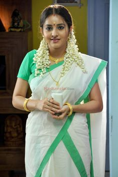 Actress_Bhama_in_Saree_Set - Tamil actress photos-pictures & images of Tamil actors-TamilQueens Beautiful Girl In India, Most Beautiful Indian Actress, Beautiful Saree, Beautiful Women, Beautiful Girl Quotes, Beautiful People, Beauty Full Girl, Beauty Women, Girl Number For Friendship