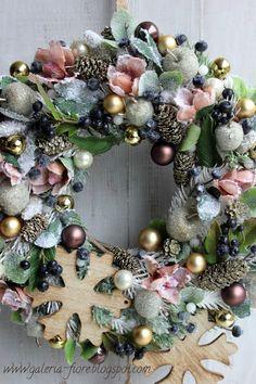 A na zakończenie... Ornament Wreath, Ornaments, Christmas Wreaths, Holiday Decor, Home Decor, Decoration Home, Room Decor, Christmas Decorations, Home Interior Design
