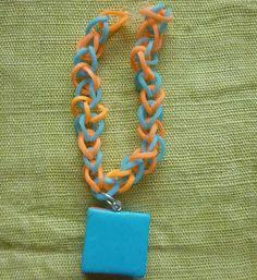 Bracelet fantaisie rainbow-loon orange fluo et bleu vert, macaron assortis. : Bijoux enfants par laboiteabijouxnanny
