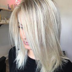 "Hottes Hair Design on Instagram: ""Yes ✔️✔️✔️ @jamiehottes_hair #platinumblonde #platinumhair #foils #olaplex #balayagehair #balayagehighlights #blondebalayage #blondebombshell…"""