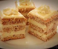 Prajitura cu blat pufos si crema de ciocolata alba - Dulciuri fel de fel Romanian Desserts, Romanian Food, Cheesecakes, Vanilla Cake, Sweet Treats, Food And Drink, Sweets, Cookies, Knits