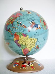 Vintage World Globe - Disney Characters My daughter-in-law would love this! Disney Princess Facts, Disney Fun Facts, Old Globe, Globe Art, Vintage Mickey, Vintage Toys, Punk Disney Princesses, Disney Characters, Disney Movies