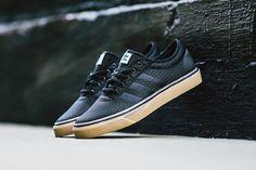 adidas Adi-Ease Woven: Black/Gum