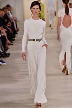 Ralph Lauren Spring 2015 Ready-to-Wear - New York Fashion Week White Fashion, Look Fashion, Fashion Show, Fashion Design, Fashion 2015, Fashion Weeks, Fashion Spring, Milan Fashion, Apostolic Fashion
