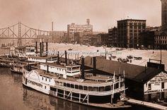 Paddlewheelers docked at the Monongahela Wharf, Pittsburgh, 1905 [Brady Stewart]