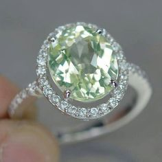 Gorgeous peridot. I want this ring. My birthstone