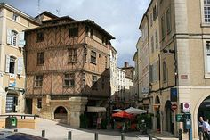 Auch France travel and tourism, attractions and sightseeing and ...