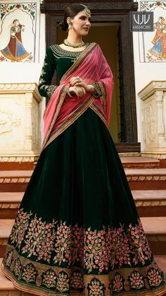 Looking for Lehenga Online: Buy Indian lehenga choli online for brides at best price from Andaaz Fashion UK. Choose from a wide range of latest lehenga designs. Indian Lehenga, Green Lehenga, Bollywood Lehenga, Lehenga Choli Designs, Lehnga Dress, Lehenga Blouse, Lengha Choli, Sabyasachi, Sari