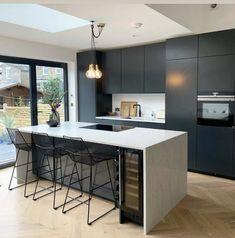 Kitchen Room Design, Kitchen Cabinet Design, Modern Kitchen Design, Home Decor Kitchen, Interior Design Kitchen, Home Kitchens, Kitchen Ideas, Kitchen Cabinets, Open Plan Kitchen Dining Living