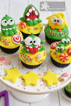 Bake for Happy Kids: Cut the Rope Om Nom Chocolate Mint Cupcakes                                                                                                                                                      More