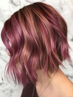 In this post we have tried our best to collect stunning shades of rose gold hair colors and hairstyles that you may use to wear in every season of the year. There are a lot of women consulting their hair stylists to wear some kind of different hair colors Hair Color Highlights, Hair Color Balayage, Ombre Hair, Pink Hair, Peekaboo Highlights, Violet Hair, Gold Hair Colors, Red Hair Color, Cool Hair Color