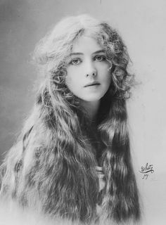 Stage actress Ione Bright, 1912. Photo by White Studio
