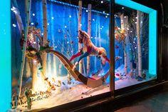 Los escaparates de Harrods nos narran un fantástico cuento de Navidad